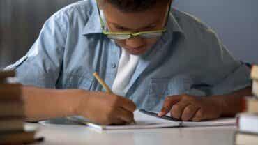 7 jeux de papier et crayon à faire en famille