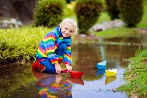8 bienfaits du jeu avec l'eau pour les enfants