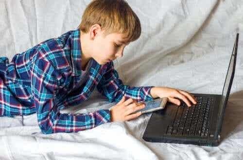 Faut-il utiliser les réseaux sociaux comme outil éducatif ?