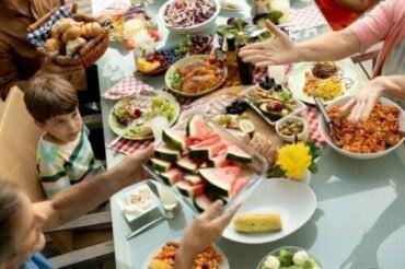 Le mindful eating pour les enfants : pourquoi et comment le mettre en pratique