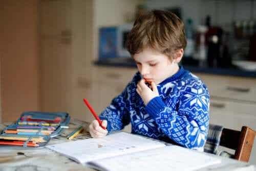 Stratégies à adopter à la maison pour les enfants avec des problèmes d'apprentissage