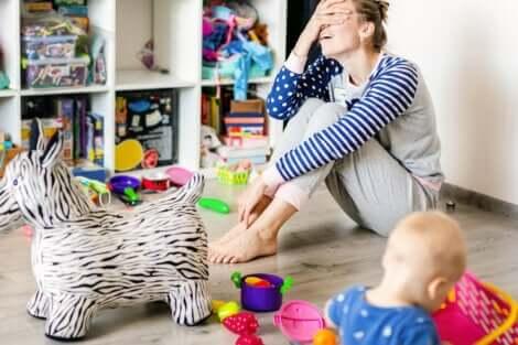 Une mère et l'accumulation compulsive de son enfant.