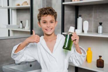 Le bain de bouche pour enfants : tout ce que vous devez savoir