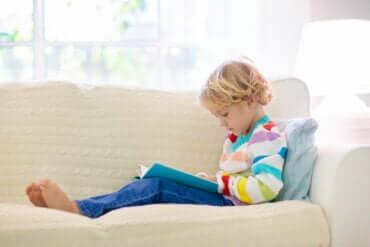 Comment aider un enfant ayant des difficultés d'apprentissage à comprendre la lecture?