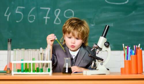 11 caractéristiques des enfants génies
