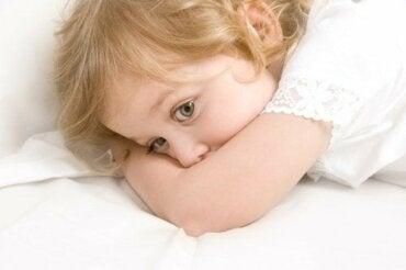 La peur d'être seuls chez les enfants