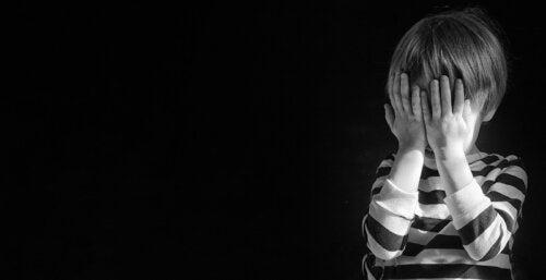 Signes qu'un enfant pense au suicide