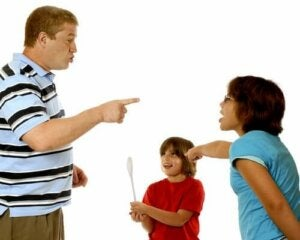 La jalousie chez les enfants, comment y faire face ?