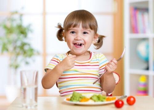Comment apprendre aux enfants à bien manger