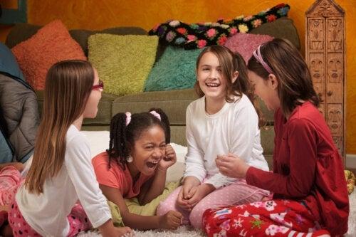 5 jeux amusants pour une soirée pyjama