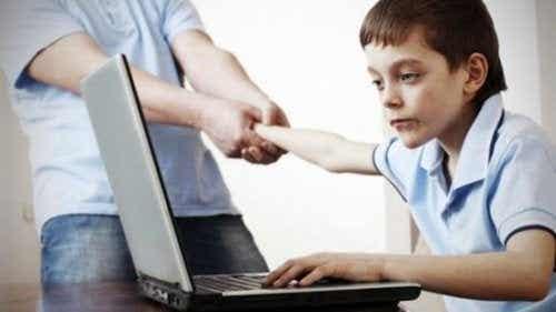 5 choses à savoir sur l'utilisation des réseaux sociaux chez les enfants