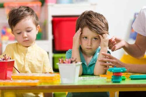 Enfants qui dérangent beaucoup les autres : que faire ?