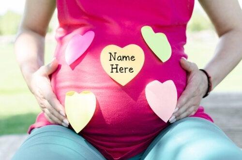 24 prénoms féminins commençant par la lettre Y