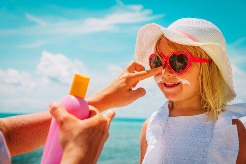 10 mythes sur les soins de la peau en été