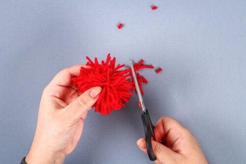 5 bricolages à réaliser avec des pompons en laine