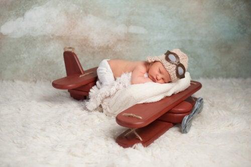 A quel âge un bébé peut-il voyager en avion?