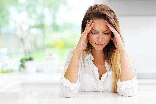 Comment traiter un mal de tête pendant la grossesse?