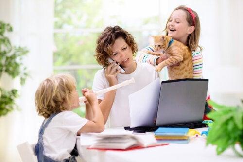 Comment divertir mes enfants pendant que je travaille à la maison