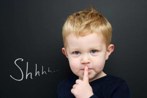 Et si mon enfant ne parle pas, mais comprend tout ?