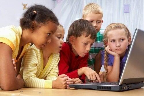 Les cours en ligne sont-ils bons pour l'apprentissage de vos enfants ?