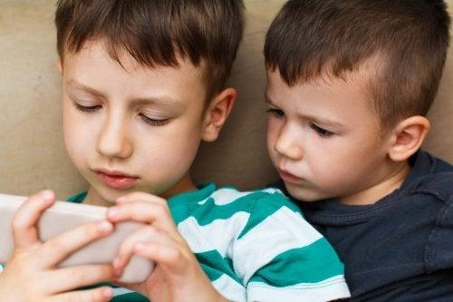 Vaut-il la peine de payer pour des applications pour enfants sur les appareils mobiles?