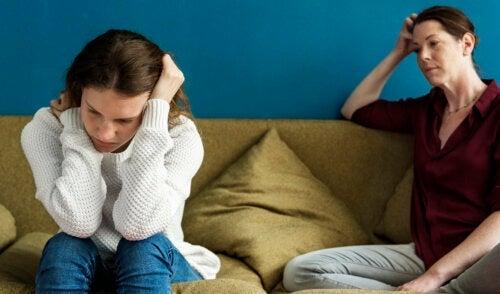 Pourquoi certains adolescents se disputent-ils avec leurs parents ?