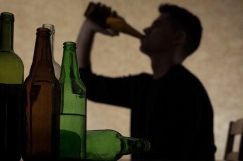Comment parler de l'alcool à un adolescent?