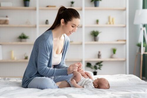 Techniques de massage pour soulager les coliques du nourrisson