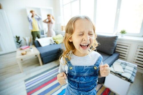 Enfants toxiques: traits et caractéristiques psychologiques