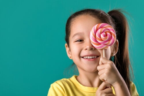5 aliments à éviter pour prendre soin des dents de vos enfants