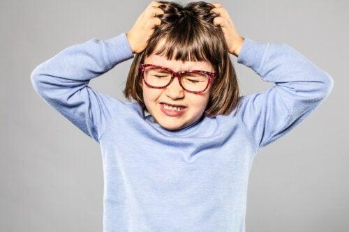 Top 10 des questions que les parents se posent sur les poux