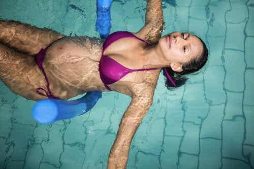 5 exercices en piscine pour femmes enceintes
