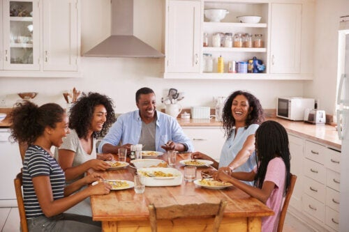 Pourquoi les repas en famille sont-ils importants?