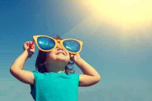 Lunettes de soleil pour bébés et enfants : ce qu'il faut garder à l'esprit