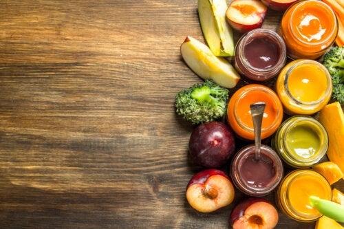 Bouillie de fruits pour bébés constipés
