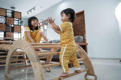 Libre circulation chez les enfants: avantages de la méthode Pikler