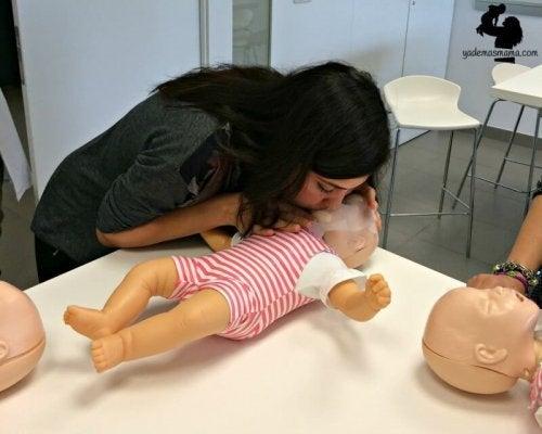Comment sauver la vie de votre enfant s'il s'arrête subitement de respirer?